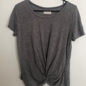 Abercrombie & Fitch Tops - Abercrombie grey shirt